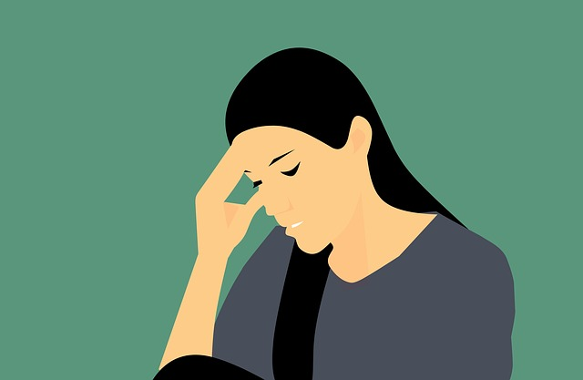 women with headache migraine